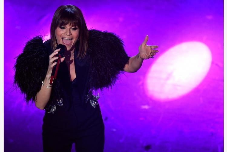Sanremo: Amoroso, accenderemo luci su palchi spenti