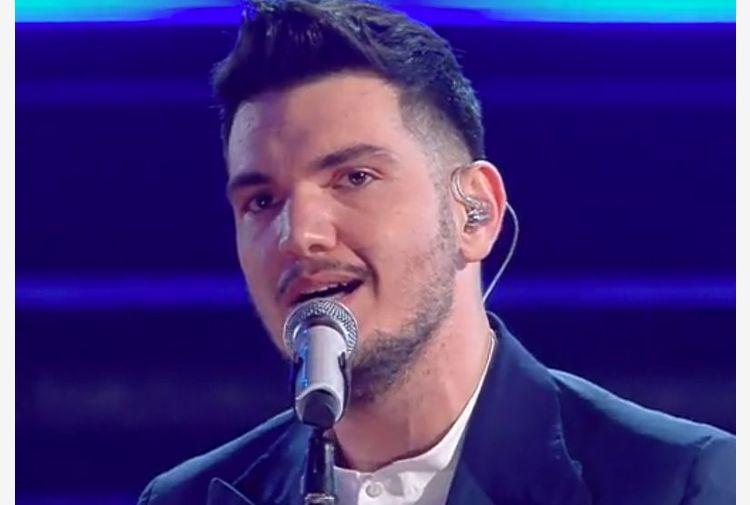 Gaudiano vincitore giovani a Sanremo, show Fiorello con Achille Lauro