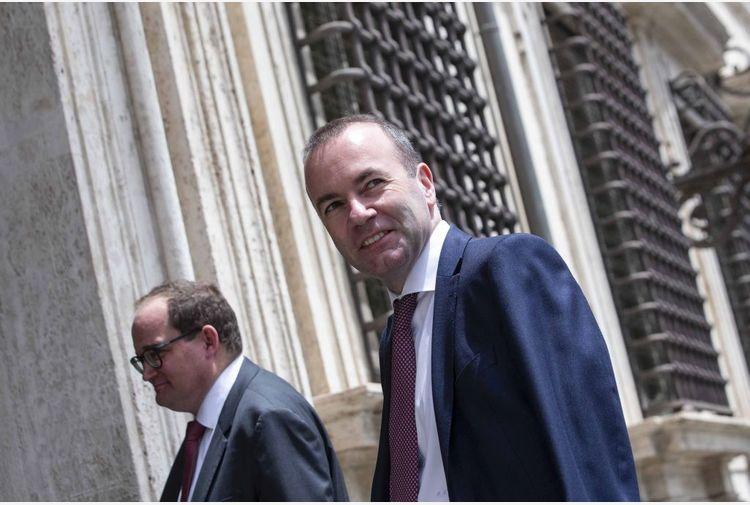 """Vaccino, Weber """"L'Europa è con Draghi"""""""