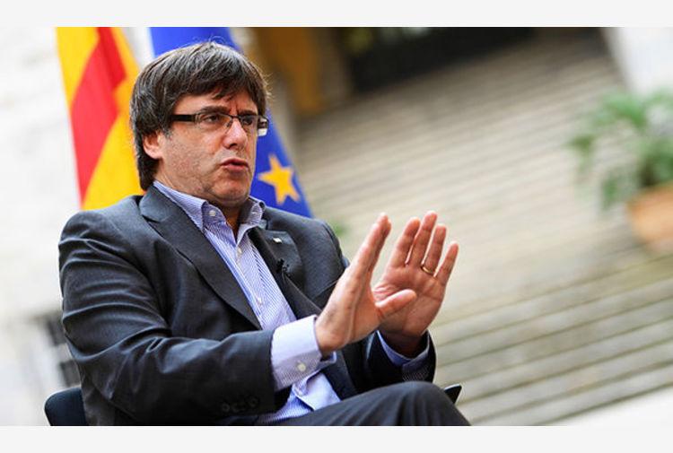 Catalogna, il Parlamento UE ha deciso: via l'immunità all'ex-presidente Puigdemont