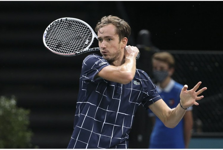 Medvedev scalza Nadal, Berrettini il migliore degli azzurri