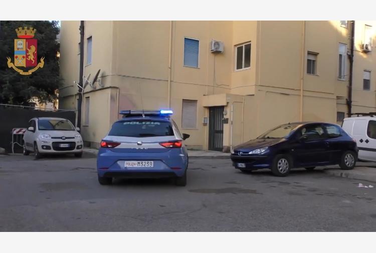 Covid: festa senza mascherine in terrazza Cagliari, 12 multe