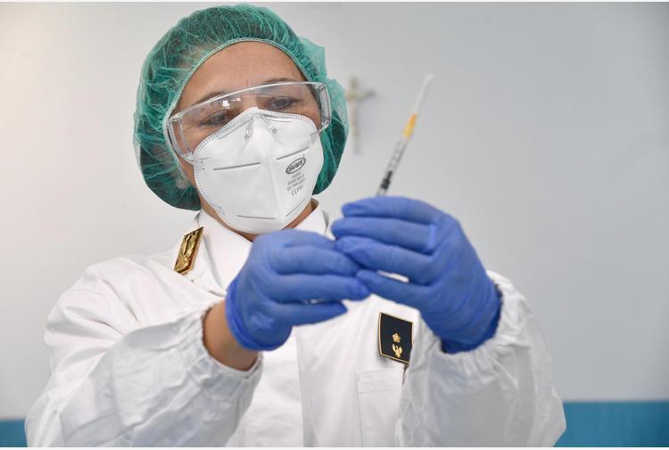 Indagine Nas Liguria su furbetti vaccini