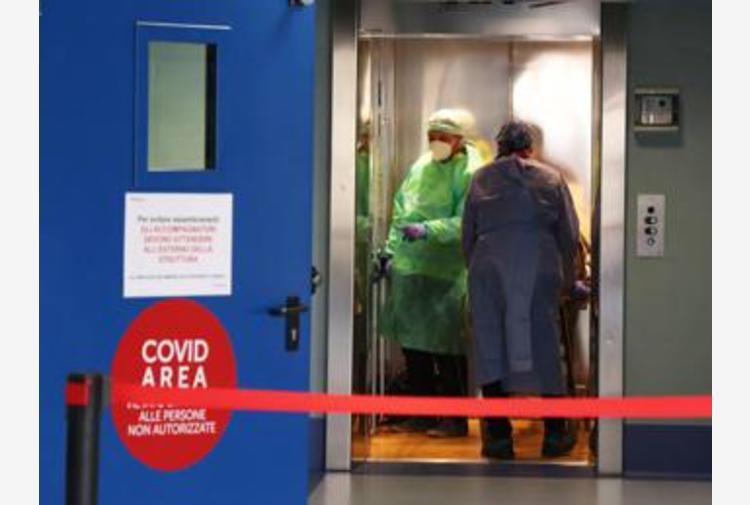 Covid Lombardia, oggi 3.003 contagi e 74 morti: bollettino 4 aprile