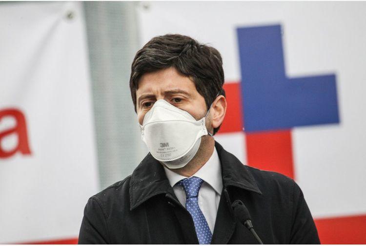 """Speranza """"Sbaglia chi fa politica su epidemia"""""""