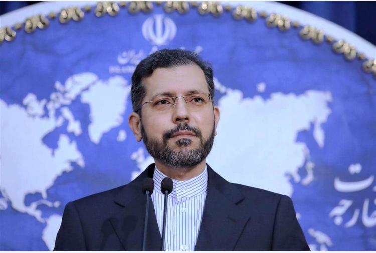 Cargo iraniano danneggiato da esplosione in Mar Rosso