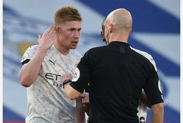 De Bruyne prolunga con Manchester City fino al 2025