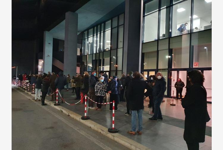 A Genova hub vaccinale aperto fino alle 2 di notte