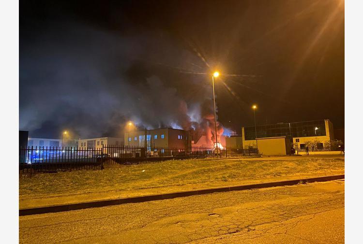 Incendi: fiamme in un'azienda orafa nell'Aretino