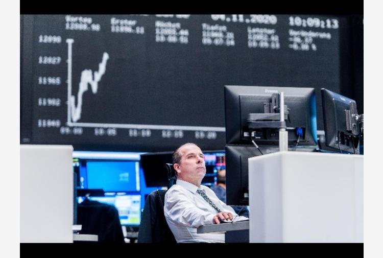 Borsa: Europa in moderato rialzo, attende la Bce