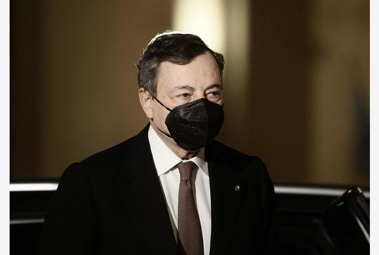 Vaccino Covid, Draghi: 'Con che coscienza si saltano liste?'