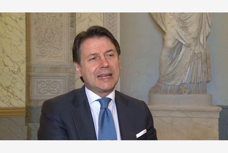 Conte prova a serrare fila parlamentari: voto on line su di me