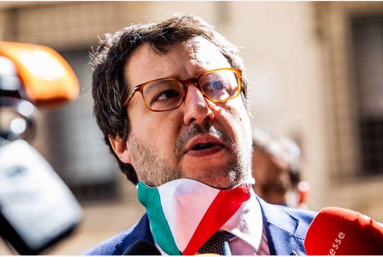 Arcuri indagato,Salvini:aspettiamo inchiesta su banchi a rotelle