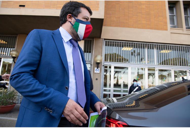 Vaccini: Salvini, Ue disastro, decida su Sputnik