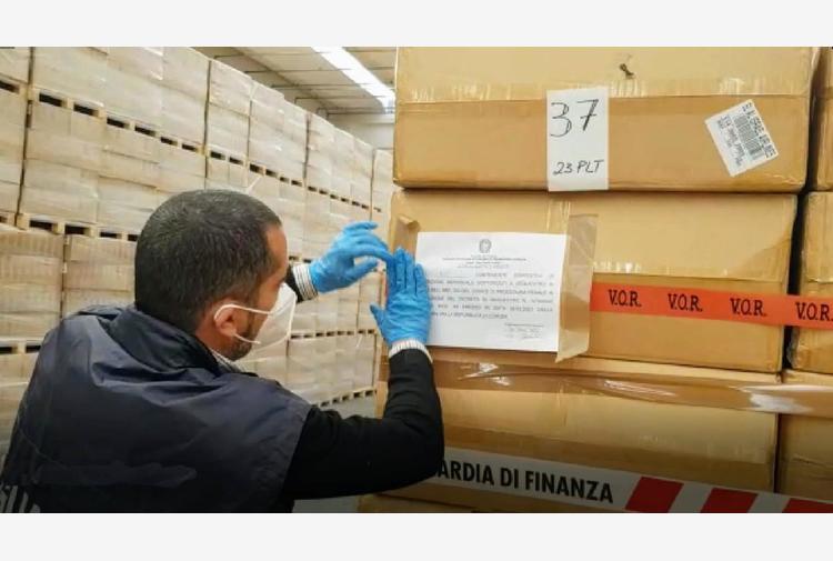 Covid:Azienda Zero del Veneto blocca mascherine in magazzino