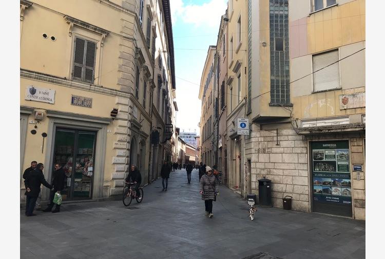 Covid: in calo i positivi in Umbria, tre ricoveri in più