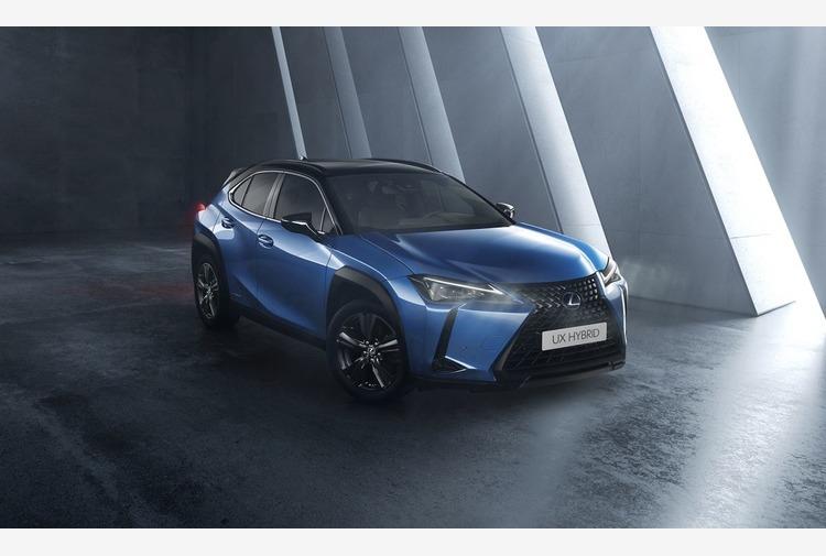 Nuovo allestimento 'Deep Sky' per Lexus UX Hybrid