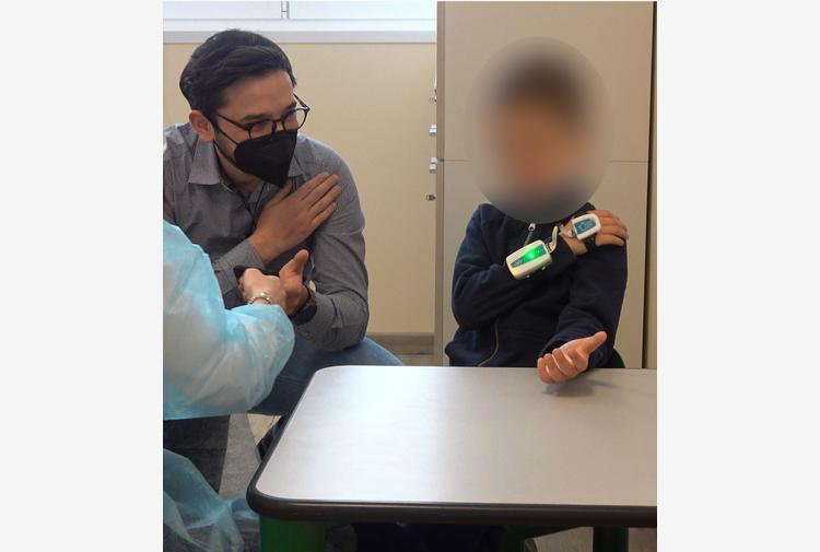 'Guanto elettronico' aiuta a parlare, traduce gesti in frasi