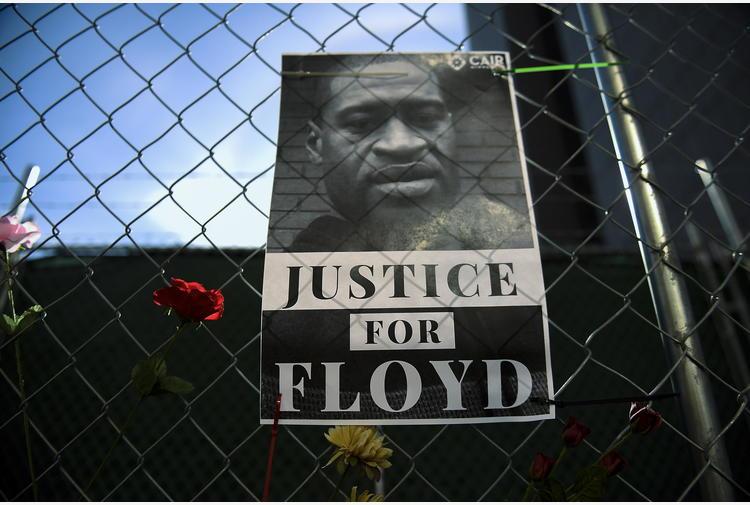 Usa: agente accusato di morte Floyd non testimonia