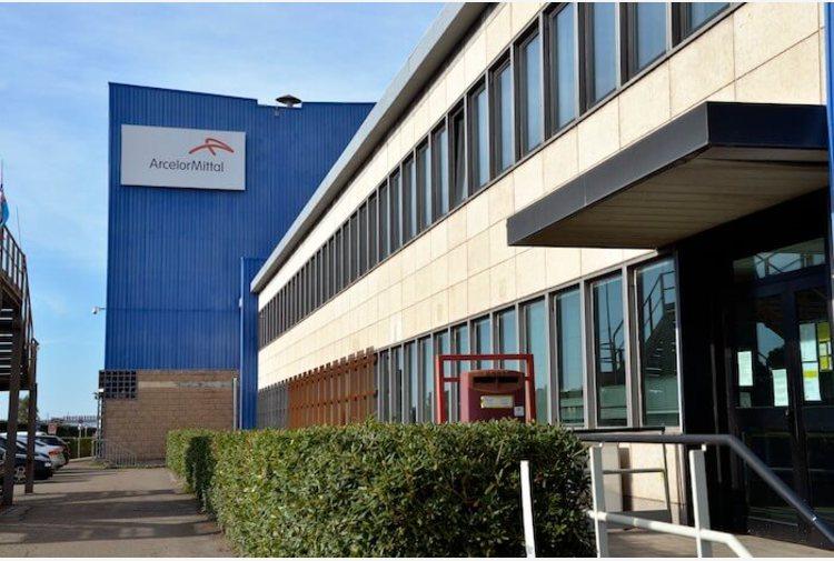 Operaio dell'ex Ilva licenziato, Codacons presenta un esposto contro ArcelorMittal