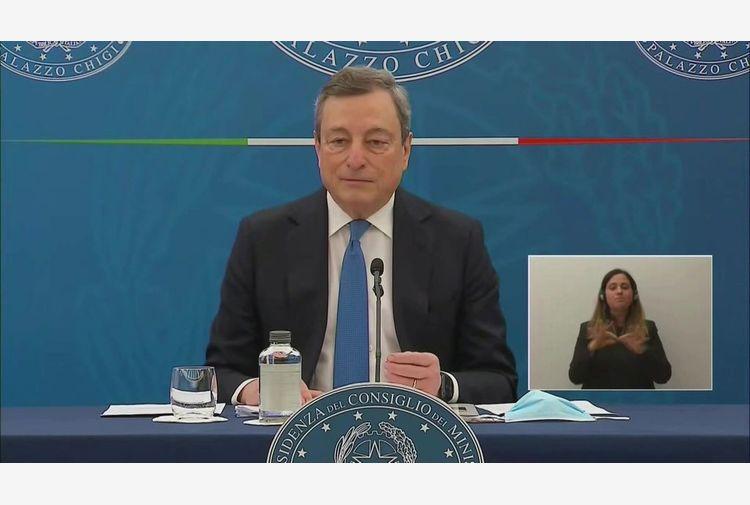 Covid, Draghi: dal 26 si inizia a riaprire, è un rischio ragionato