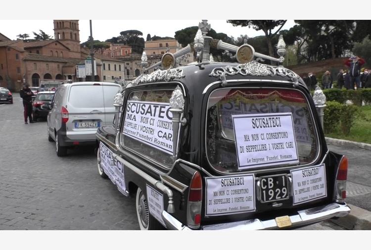 Covid:'smaltire cremazioni', protesta imprese funebri a Roma