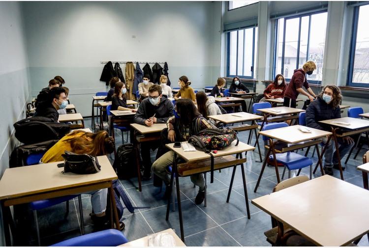 Covid:fonti,dal 26 riaprono tutte scuole tranne zona rossa