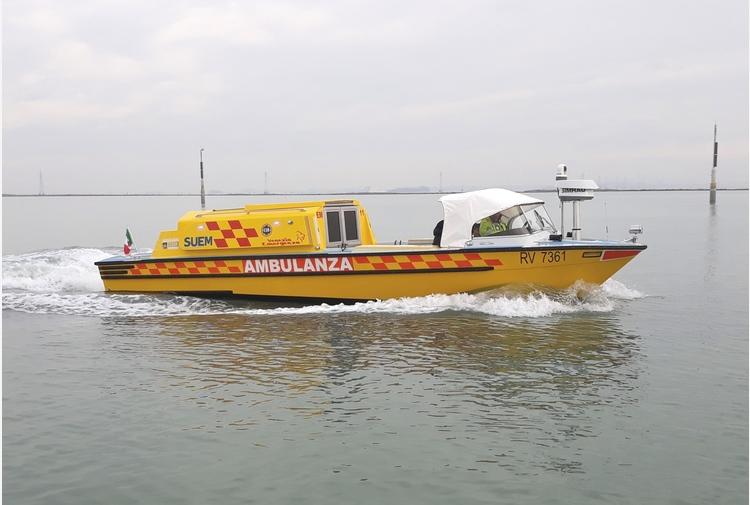 Venezia: incidente per idroambulanza, nessun ferito