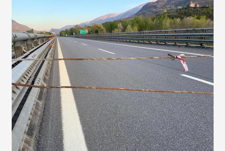 Tav: cavo acciaio su autostrada Frejus, traffico sospeso