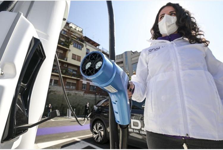 Sardegna, da Regione fondi per ricarica elettrica su strade extraurbane