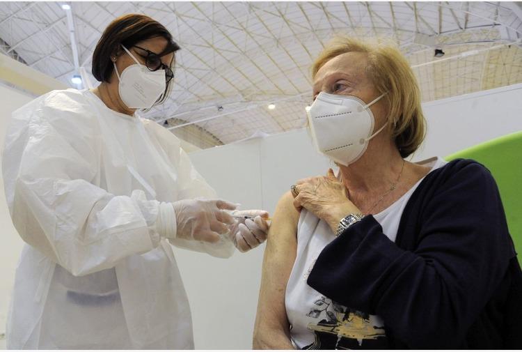 Vaccino, in Campania 1.241.380 le dosi complessivamente somministrate