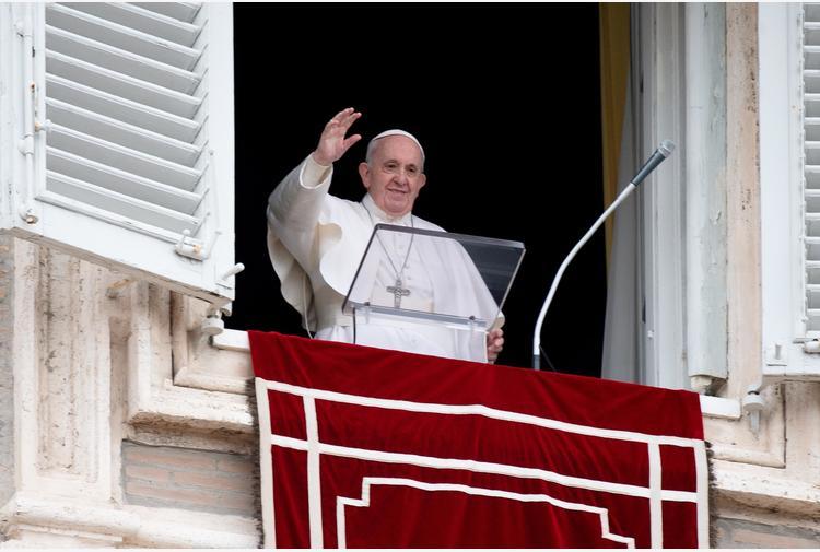 Papa: grazie a Dio di nuovo in piazza, mi mancava