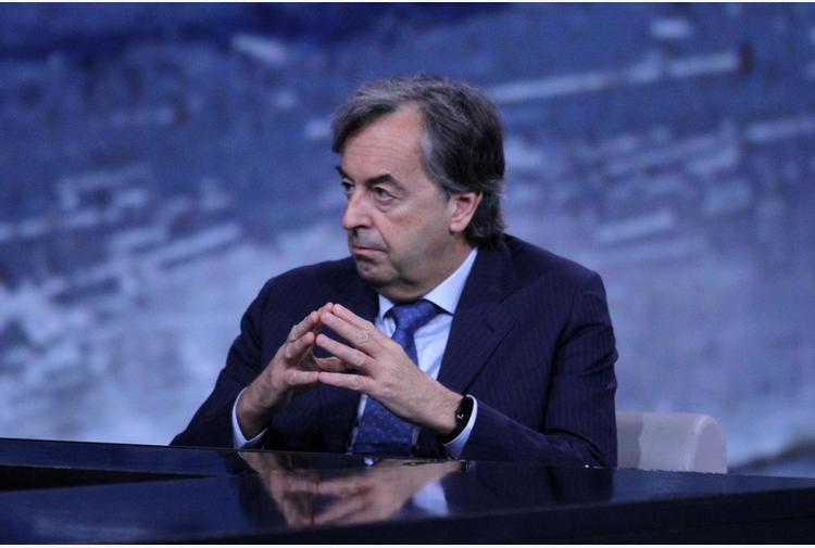 Riaperture, Burioni: 'Pass per spostamenti idea ottima'