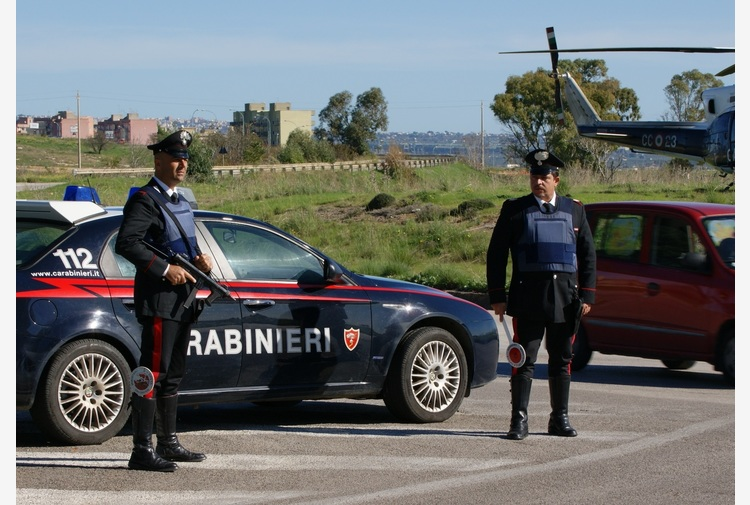 Mafia: 2 morti e feriti in sparatoria tra clan,14 ordinanze