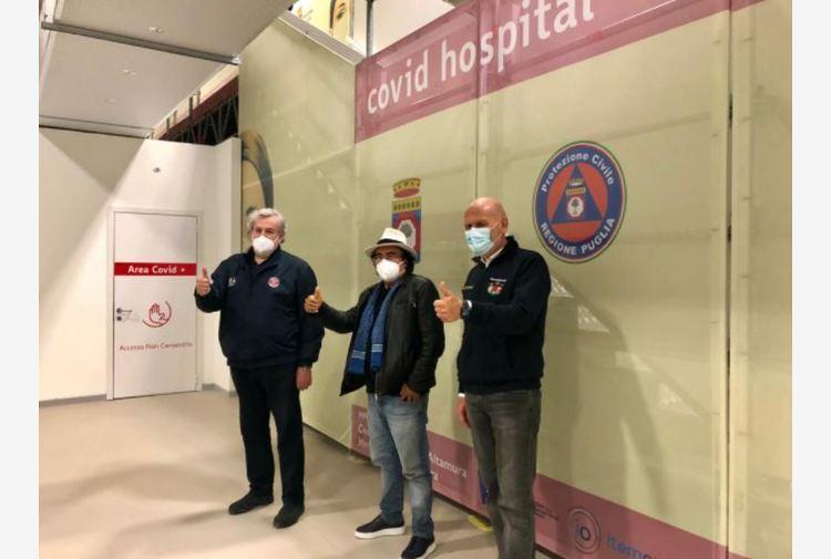 Covid: Al Bano in ospedale Fiera Bari, 'bisogna esserci'