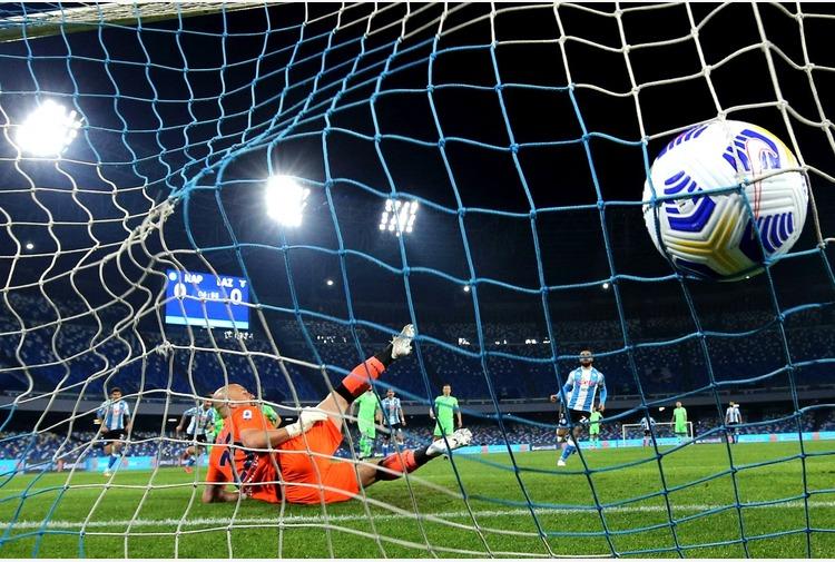 Calcio: Sette gol al Maradona, Napoli-Lazio 5-2
