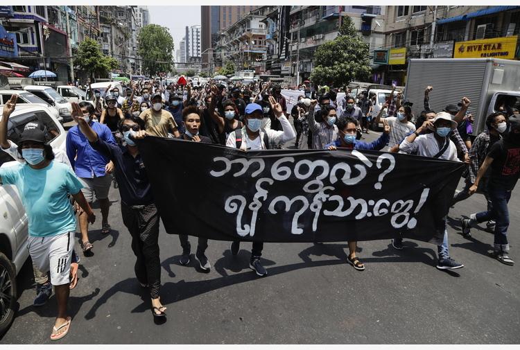 Birmania: manifestazioni a Yangon, l'Asean stia con il popolo