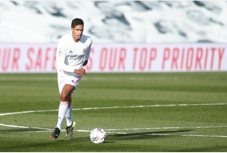 Calcio: Varane tra rinnovo con Real e interesse ManUtd e Psg