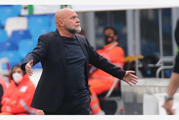 Calcio: Cosmi 'Crotone non vuole arrivare ultimo, squadra fragile'