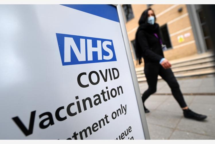 Covid: crollo dei contagi in Gb, uno ogni 1.000 abitanti