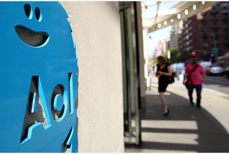 Verizon vende Yahoo e AOL per 5 miliardi