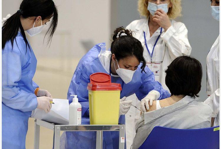 Covid, D'Amato: ad agosto vaccini all'80% dei laziali