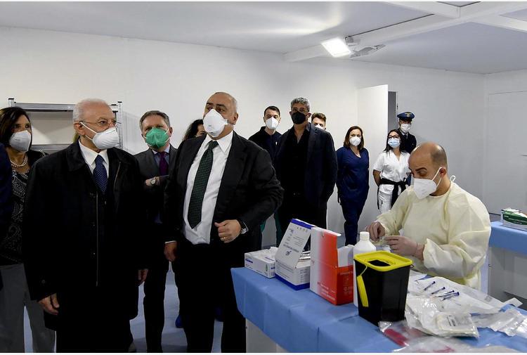 Vaccini: De Luca, Commissariato e Ministero correggano dati