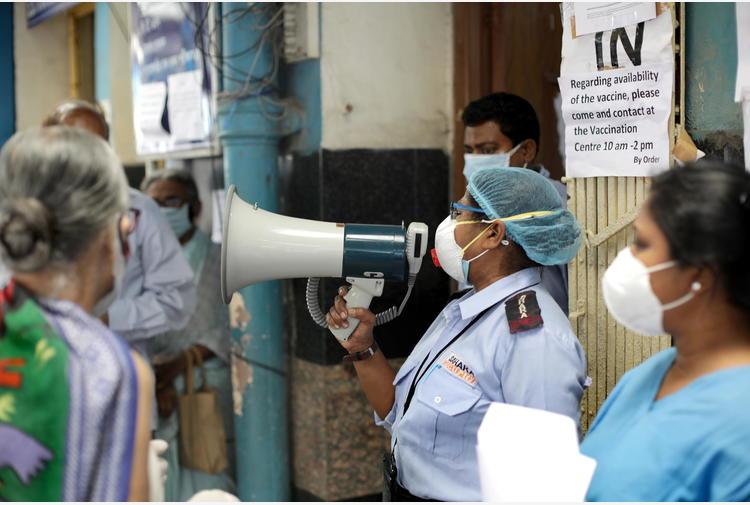 Rahul Gandhi chiede un lockdown immediato in tutta l'India