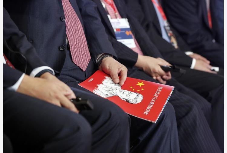 L'Ue congela l'accordo sugli investimenti con la Cina