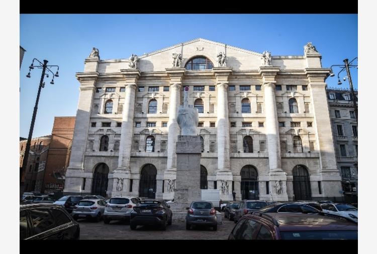 Borsa: Milano chiude in forte ribasso, -1,81%