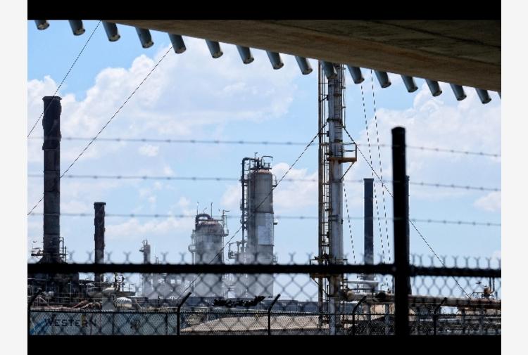 Petrolio: in rialzo a New York a 65,30 dollari
