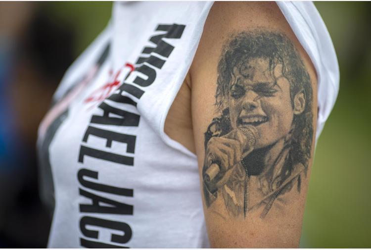 Michael Jackson, tribunale fiscale Usa riduce tasse agli eredi