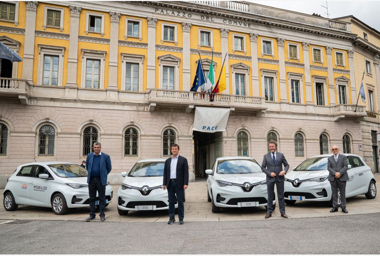 Parte da Bergamo 'Mobilize', il car sharing dei concessionari Renault