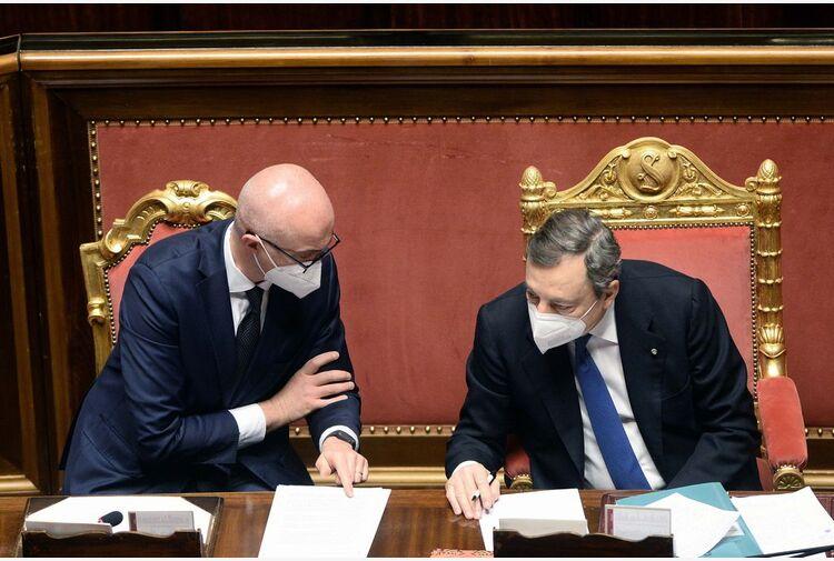 Dl Sostegni, arriva maxi-emendamento. D'Incà: governo pone fiducia